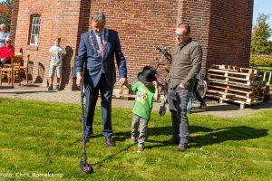 Burgemeester Rodenboog zocht met hulp van Aldwin Wals en 'museumdirecteur' Anno naar de sleutel van het museum